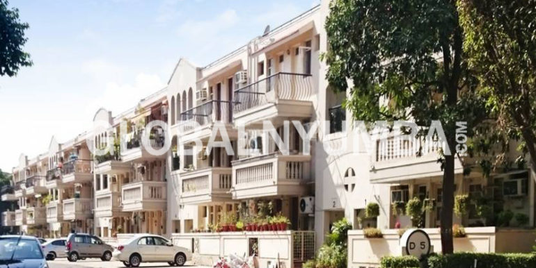 dlf-exclusive-floors-elevation-8394560